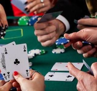 Modalidades de poker apostas combinadas